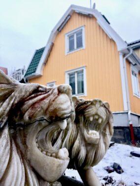 Lejonen-och-huset